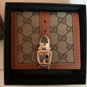 Classic Style Never Used Authentic GUCCI wallet